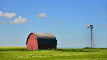 Фото бесплатно крыши, облака, трава