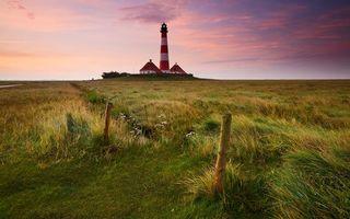 Бесплатные фото поле,трава,колышки,маяк,свет,строения,небо
