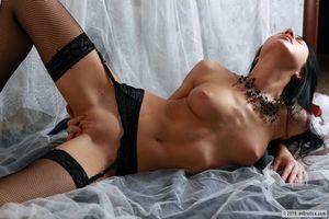 Заставки Devi, красотка, девушка, модель, голая, голая девушка, обнаженная девушка