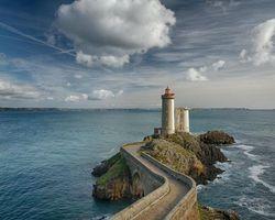 Заставки Маяк Фаре дю Пети Мина,Франция,море,маяк,скалы,небо,облака