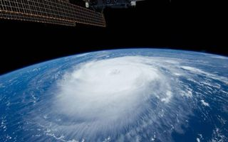 Фото бесплатно земля, циклон, облака