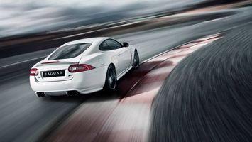 Бесплатные фото новый Jaguar,ягуар,белый,купе,трасса,скорость