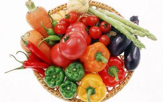 Бесплатные фото корзина,овощи,помидоры,перцы,морковь,баклажаны,спаржа