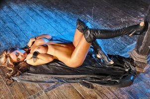 Заставки adriana corset, девушка, модель, красотка, голая, голая девушка, обнаженная девушка