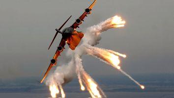 Заставки самолет,полет,вираж,отстрел,тепловые ловушки