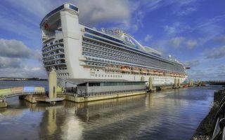 Заставки круизный лайнер, палубы, шлюпки, море, порт, пристань