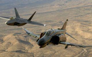 Бесплатные фото f-4 phantom2,фон,f-22 raptor,истребители,американцы,мощь,небо