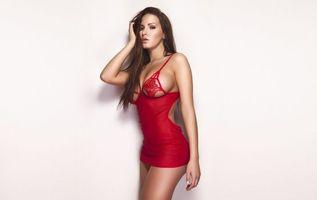 Бесплатные фото babe,red,dress,model,sexy,девушки