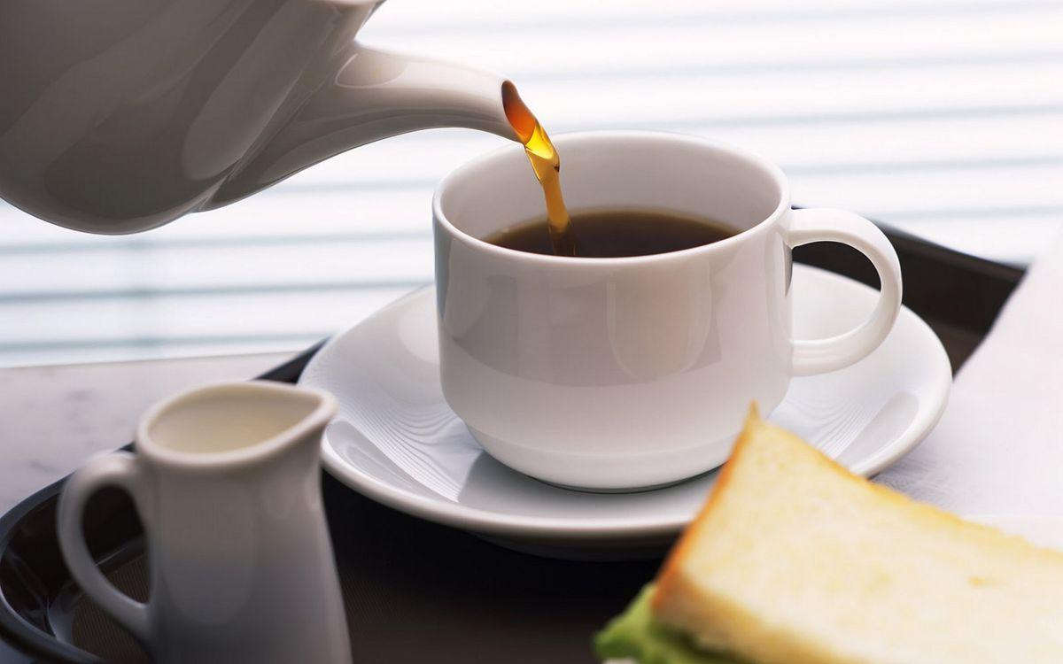 Фото бесплатно чайник, заварник, чай, чашка, кружка, тарелка, завтрак, стол, напитки, напитки