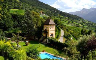 Фото бесплатно дом, бассеин, двор, дорога, деревья, небо, пейзажи