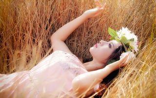 Фото бесплатно глаза, губы, платье