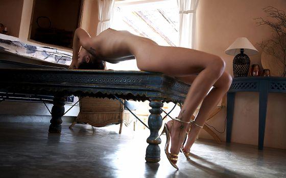 Фото бесплатно sonia, брюнетка, gorgeous, сексуальная, горячая, sensual, идиальная, тело, breasts, nipples, ноги, feet