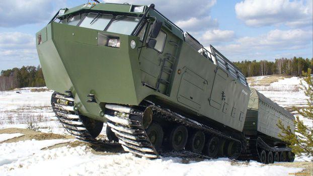 Фото бесплатно военная, гусеницы, кабина
