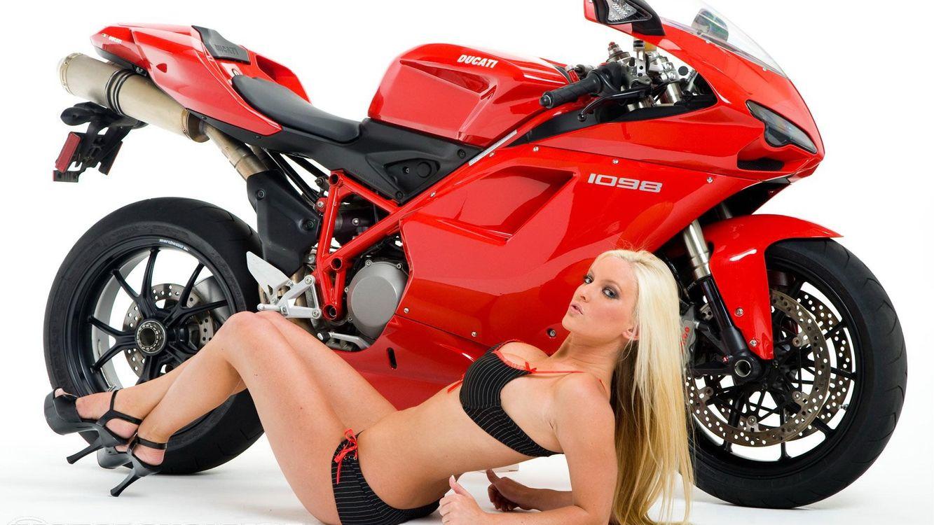 Фото бесплатно девушка, мотоцикл, байк - на рабочий стол