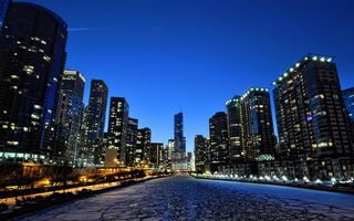 Фото бесплатно дома, окна, свет, небо, голубое, река, лед, город