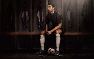 Фото бесплатно футболист, носки, гетры