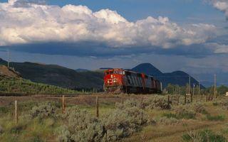 Заставки железная,дорога,поезд,локомотив,красный,горы,небо
