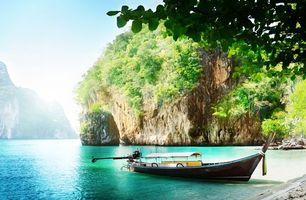 Бесплатные фото тропики,таиланд,море,пляж,скалы,лодка,пейзажи