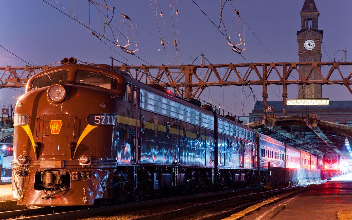Фото бесплатно вокзал, перон, поезд, локомотив, вагоны, башня, часы, разное, разное
