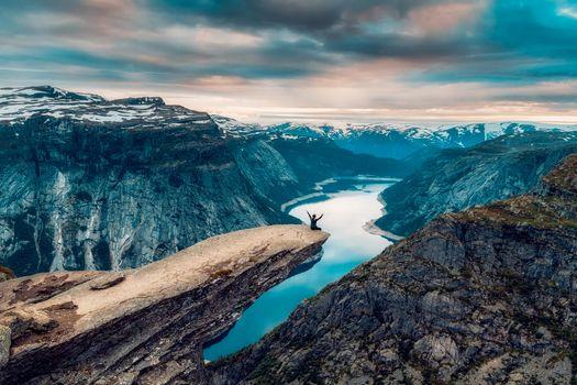 Фото бесплатно Язык Тролля, Скала Троллтунга, Норвегия