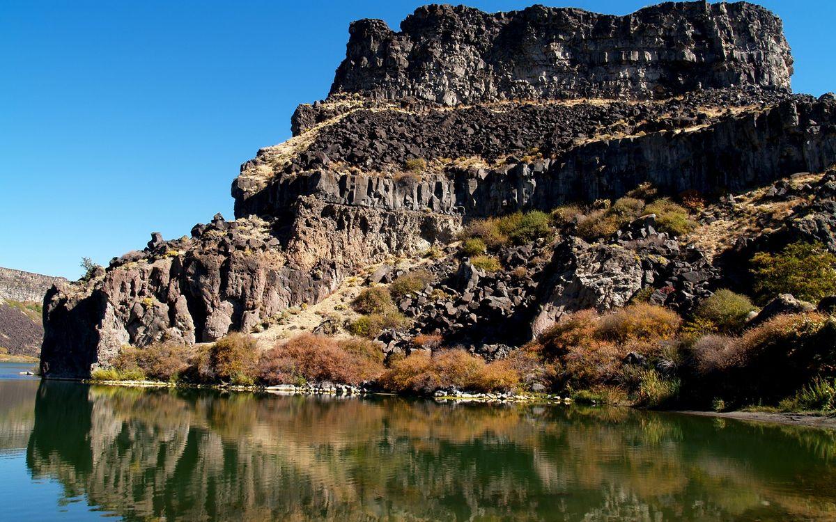 Фото бесплатно камни, горы, скалы, трава, река, вода, небо, природа, пейзажи, пейзажи - скачать на рабочий стол