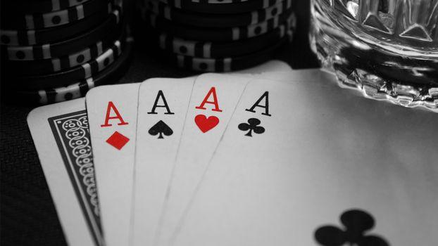 Бесплатные фото карты,тузы,масти,азарт,выйгрыш,стакан,aborb,игры