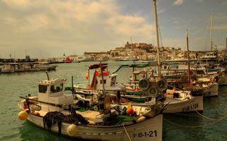 Заставки корабли,лодки,причал,дома,улицы,небо,облака