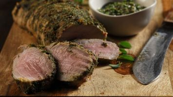Бесплатные фото мясо,приправа,нож,зелень,тарелка,доска,еда
