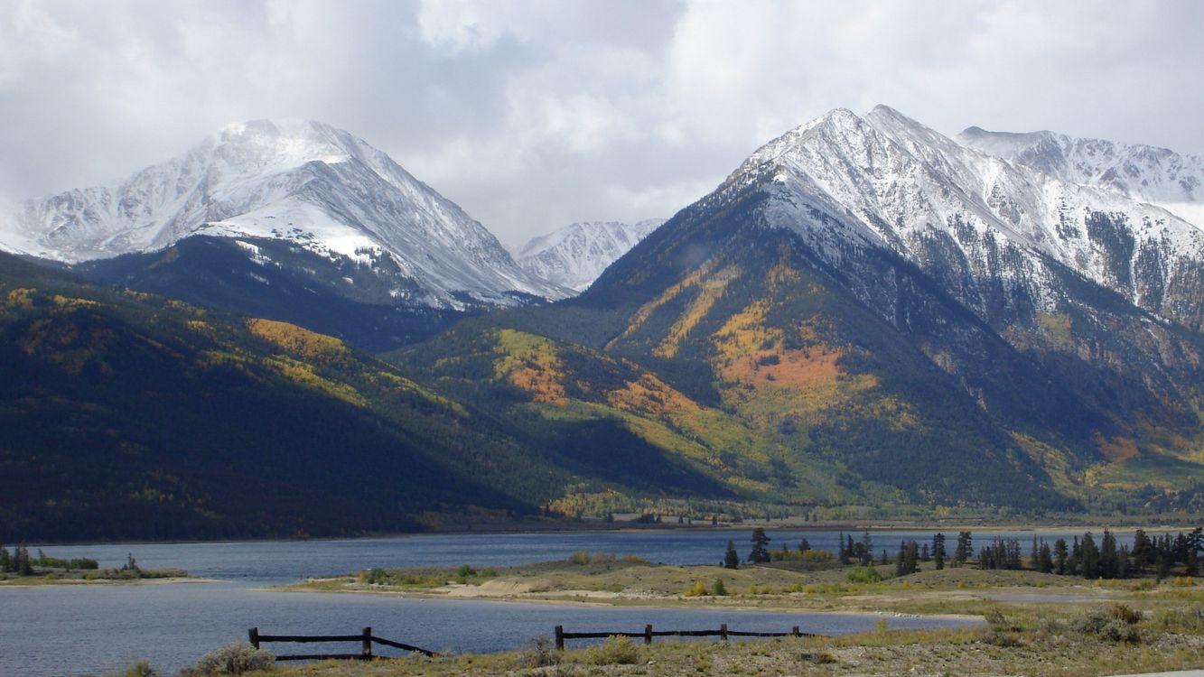 Фото бесплатно озеро, вода, горы, высоко, снег, деревья, природа, природа