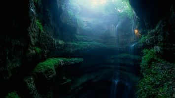 Бесплатные фото водопад,камни,вода,брызги,ущелье,мох,зелень