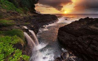 Бесплатные фото закат,солнце,тучи,камни,трава,лес,река