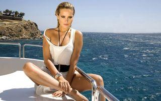 Обои петра немцова, модель, блондинка, макияж, платье, белое, яхта, море, девушки