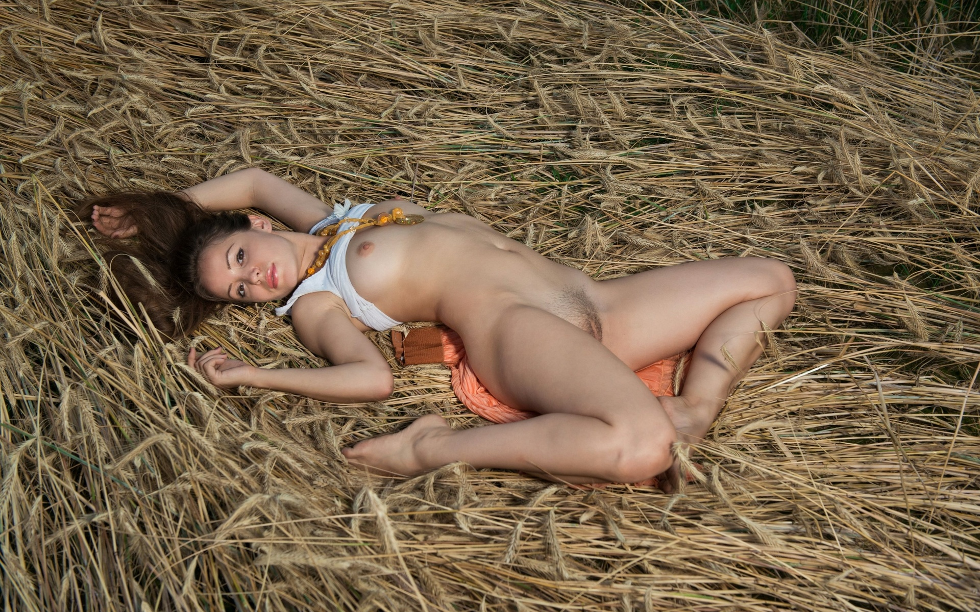 erotic-fucking-in-the-hay-babes-angeles