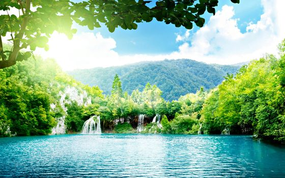 Бесплатные фото лесная заводь,чудное,место,водопад,горы,холмы,солнце,лучи,пейзажи