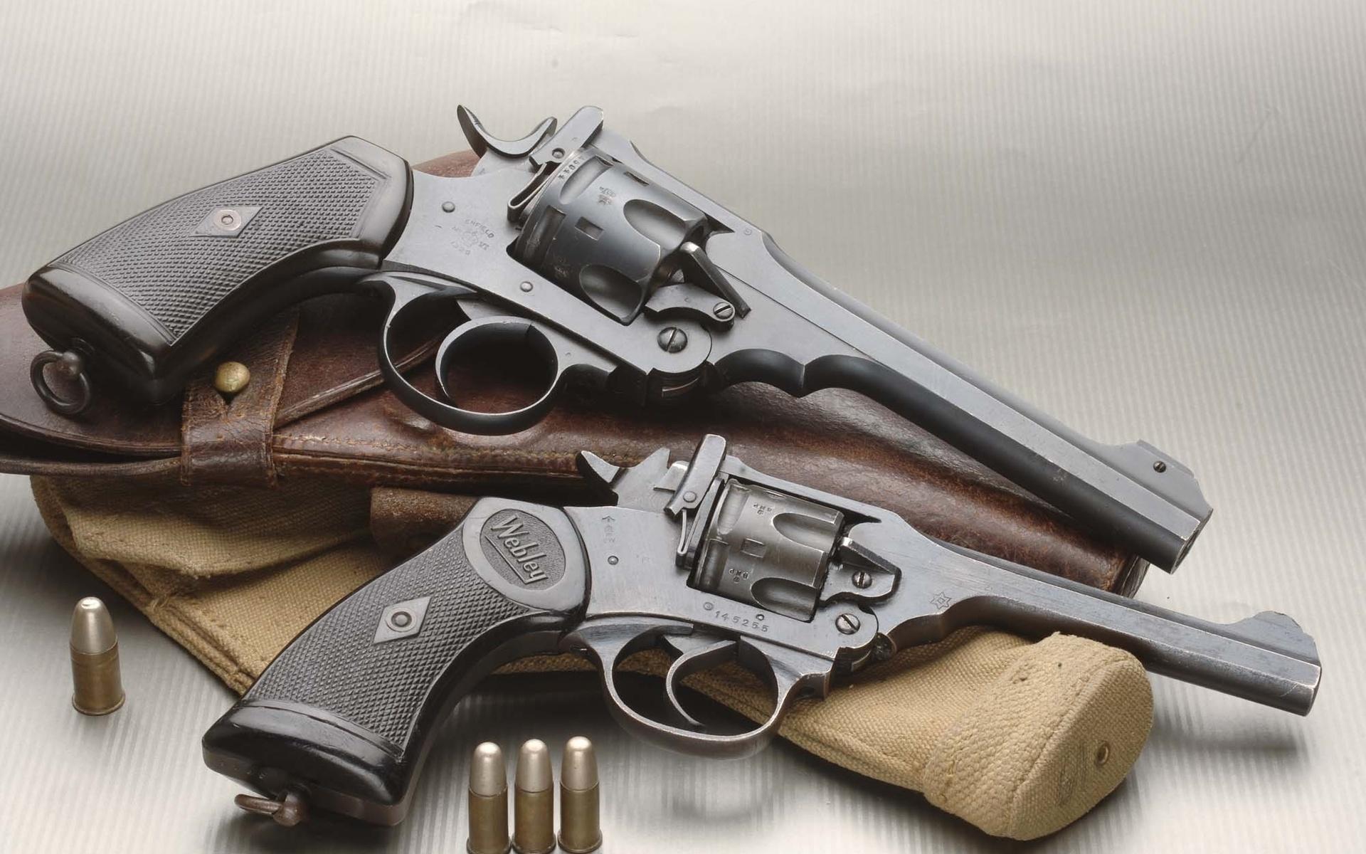 револьверы, кобура, патроны