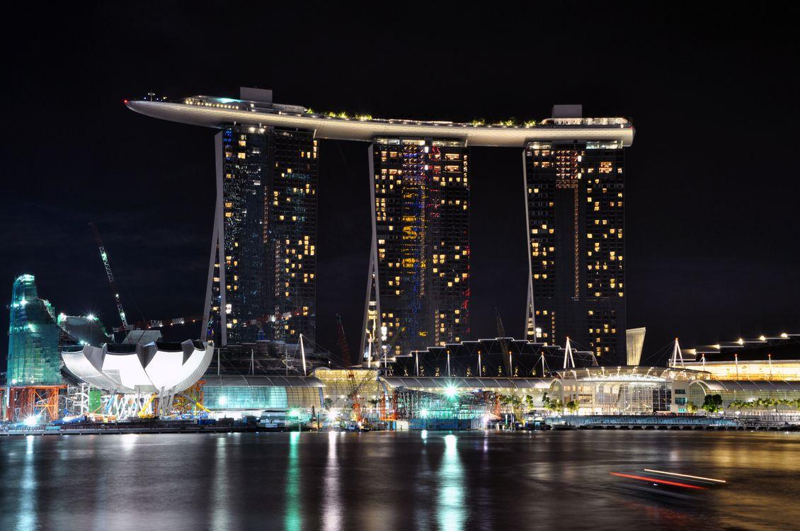 Фото бесплатно сингапур, три небоскреба, соединены вместе отель, ночь, город, город