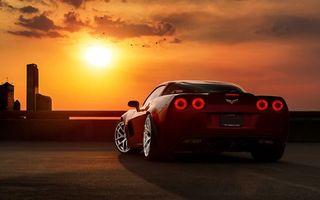 Бесплатные фото авто,закат,небо,оранжевое,колеса,диски,фары
