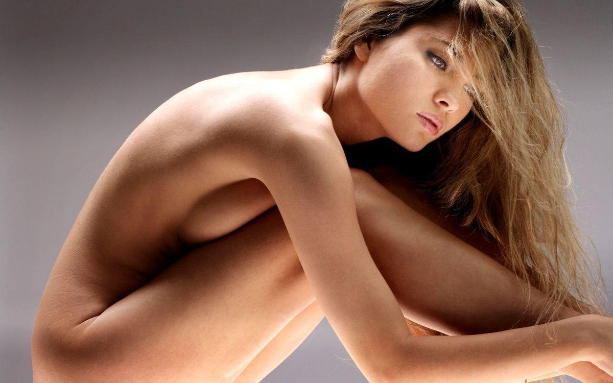 Фото бесплатно девушка, обнаженная, шатенка, длинные, мокрые, волосы, душь, эротика, эротика