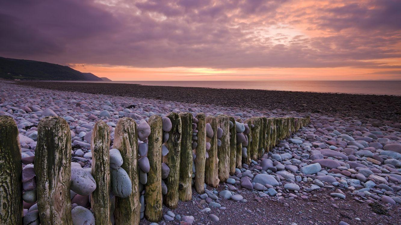 Фото бесплатно пляж, забор. бревна, камни - на рабочий стол