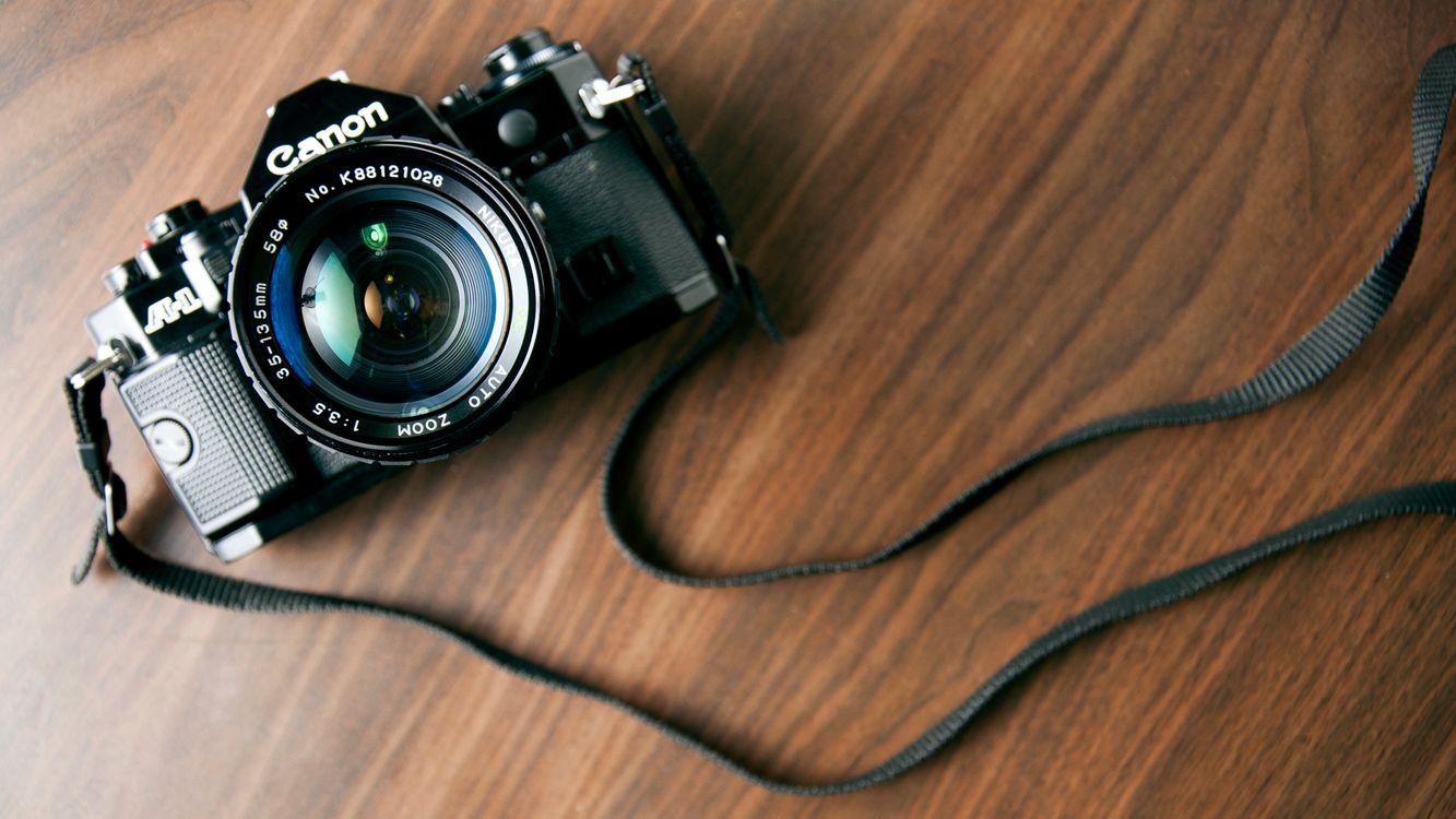 Обои фотоаппарат, объектив, вспышка картинки на телефон
