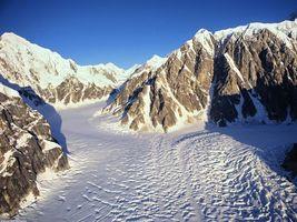 Бесплатные фото горы,высокие,снег,небо,голубое,скалы,природа