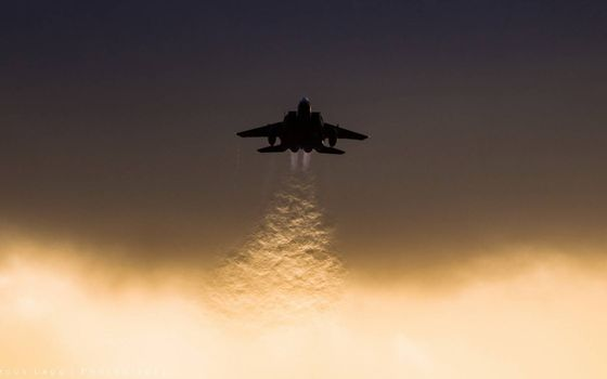 Takeoff fighter · free photo