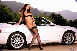 Фото бесплатно Джейден Коул, белая машина, грудь