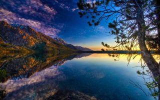 Заставки озеро,горы,лето,деревья,небо,восход,пейзажи