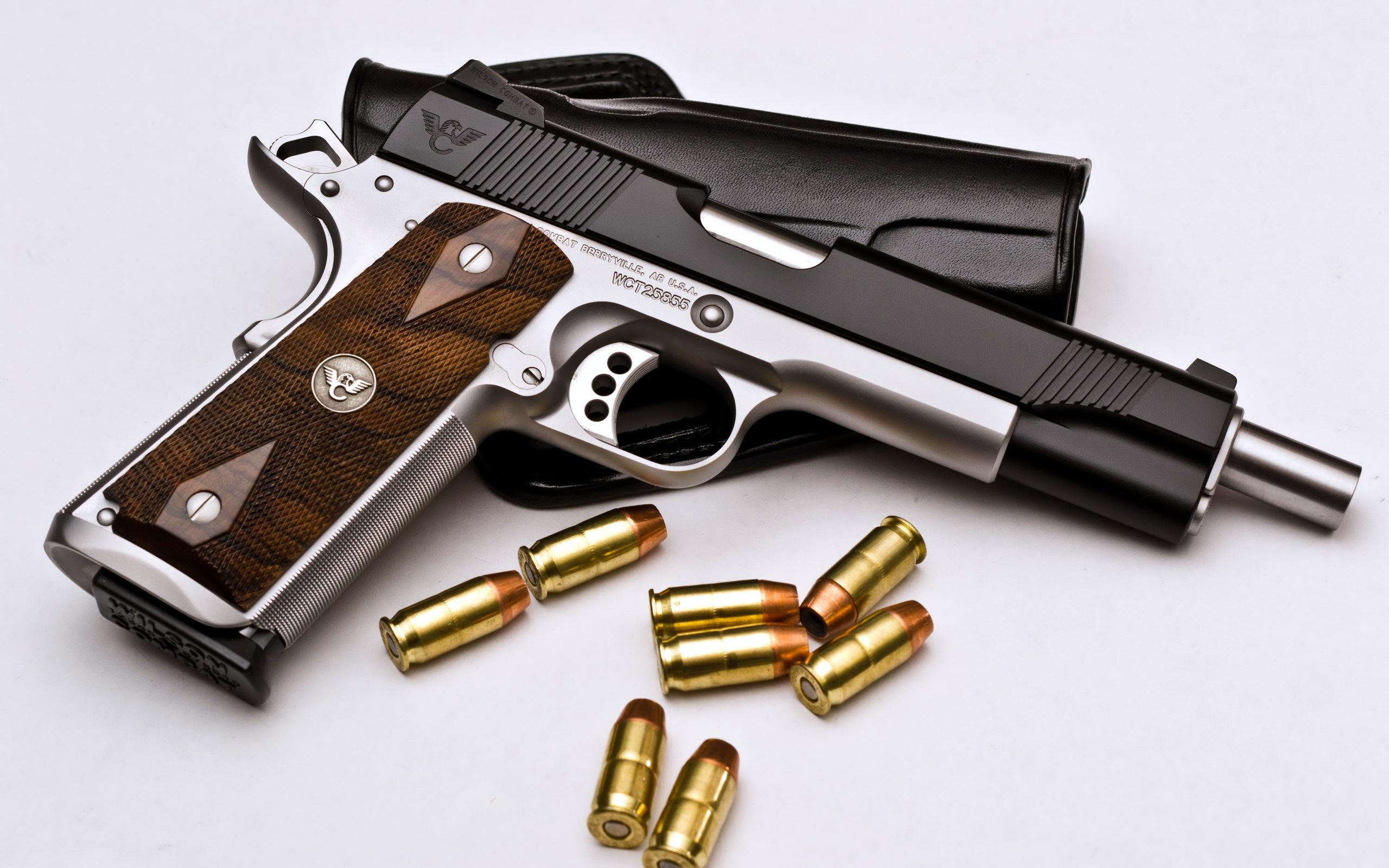 Обои с оружием на рабочий стол