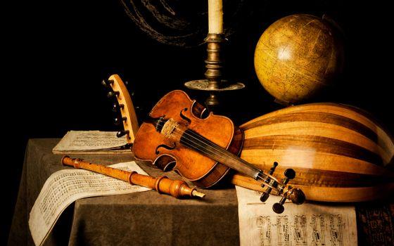 Photo free violin, strings, globe