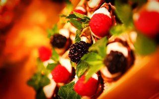 Обои ягоды, ежевика, мята, листья, десерт, сладкое, еда