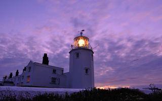 Бесплатные фото здание,маяк,свет,флюгер,небо,облака,разное