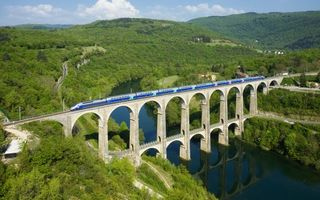 Бесплатные фото река,франция,cize-bolozon viaduct,мост,лес,поезд