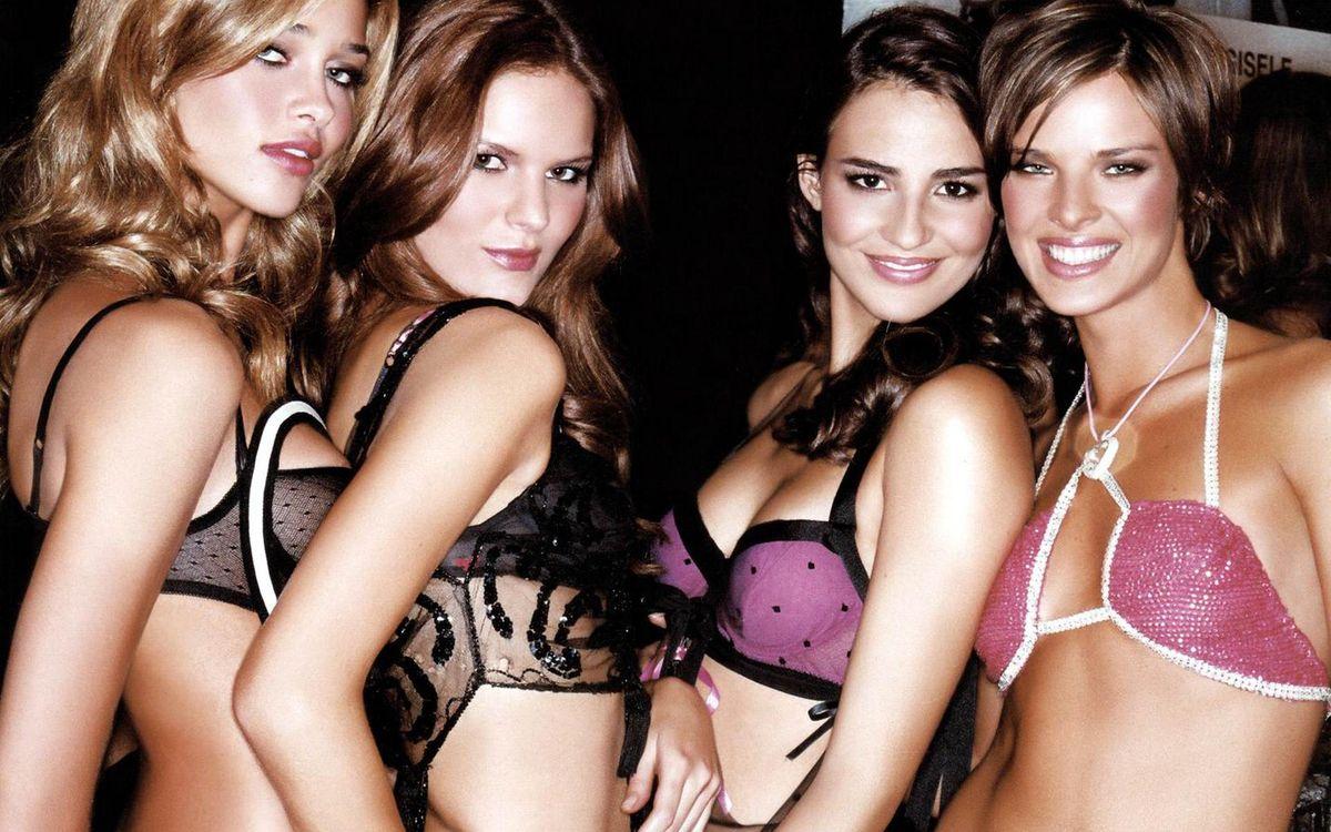 Фото бесплатно модели, белье, улыбки, тело, волосы, макияж, девушки, девушки